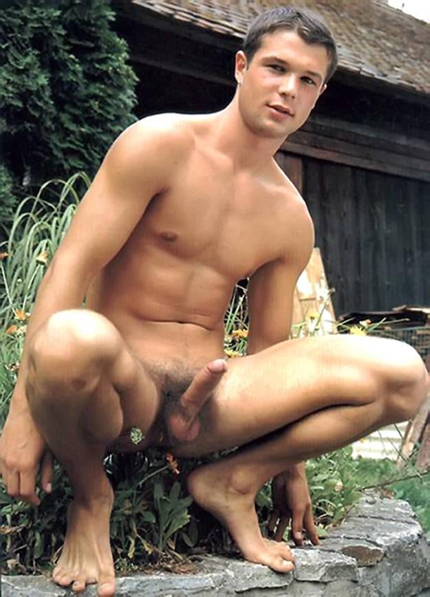 gay men Uncircumcised