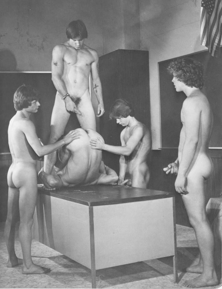 American bloopers campus college gag marathon naked pie reel stifler