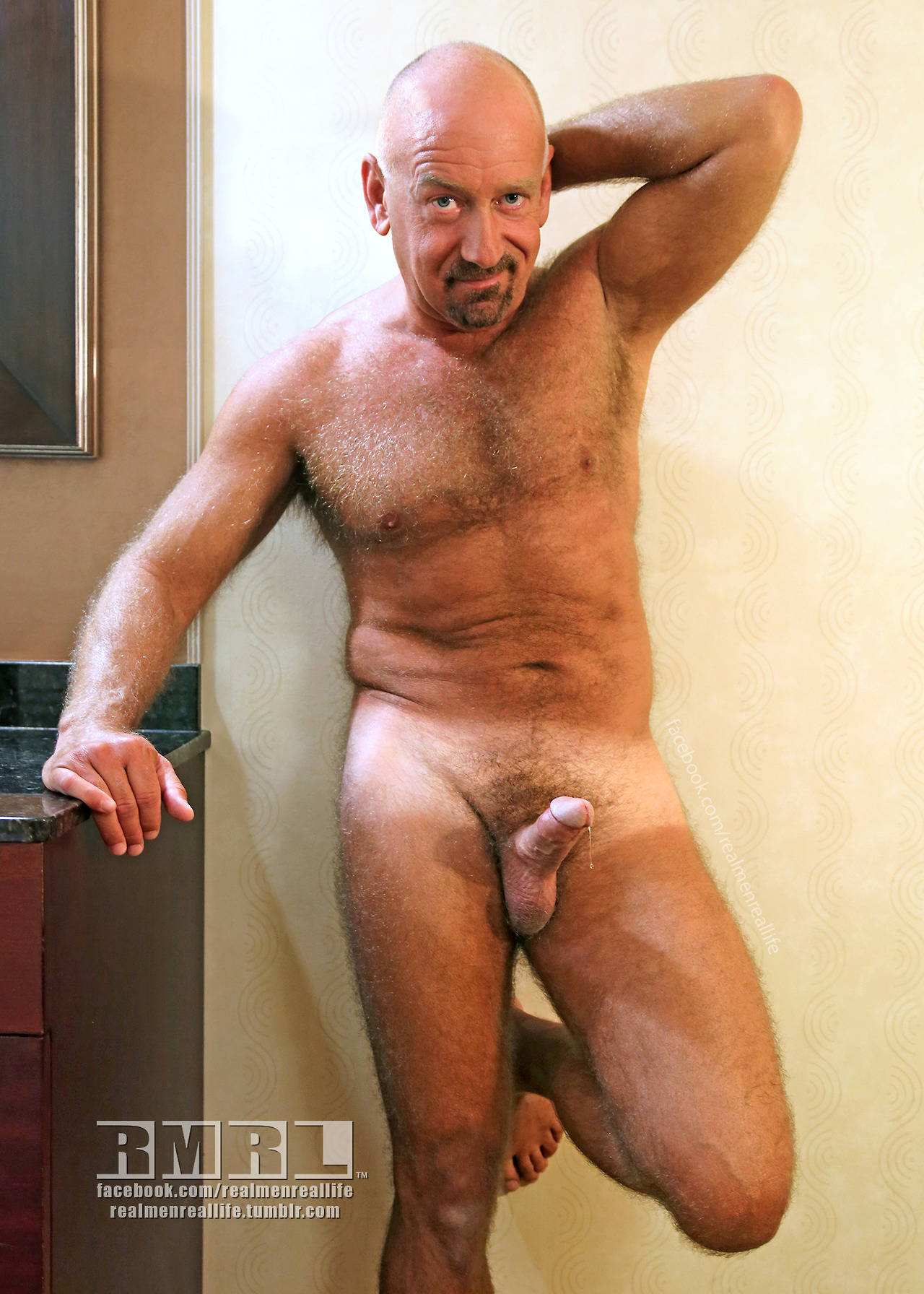 Hairy gay bears cumshots free movies guys