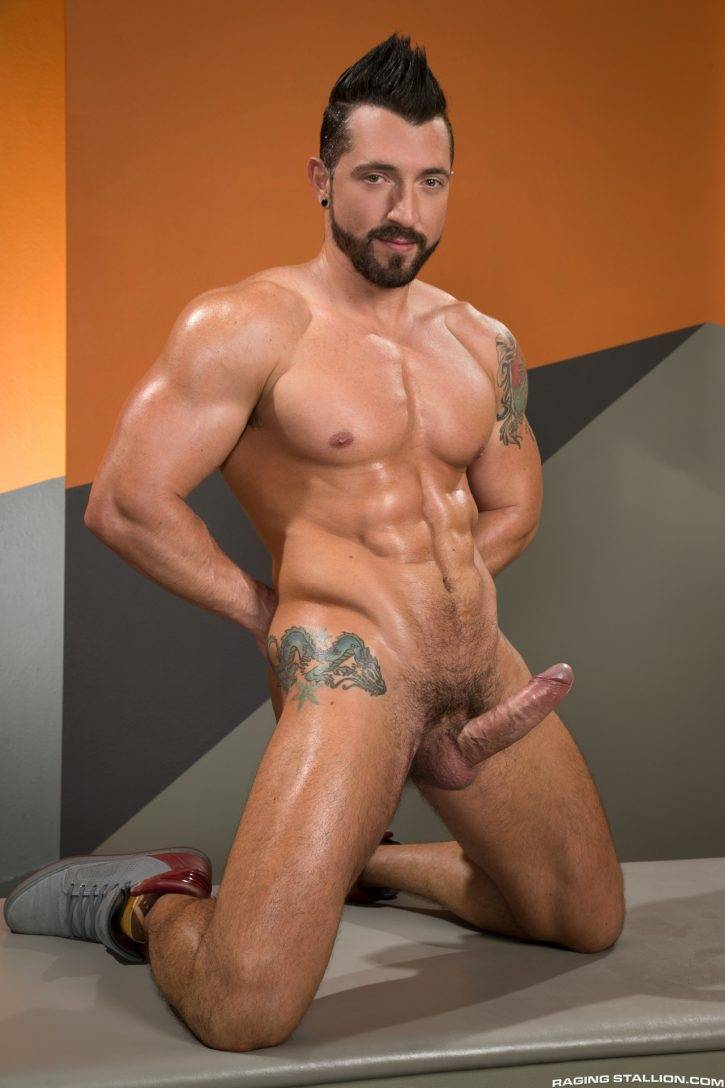 Muscle gay Gay clubs in atl